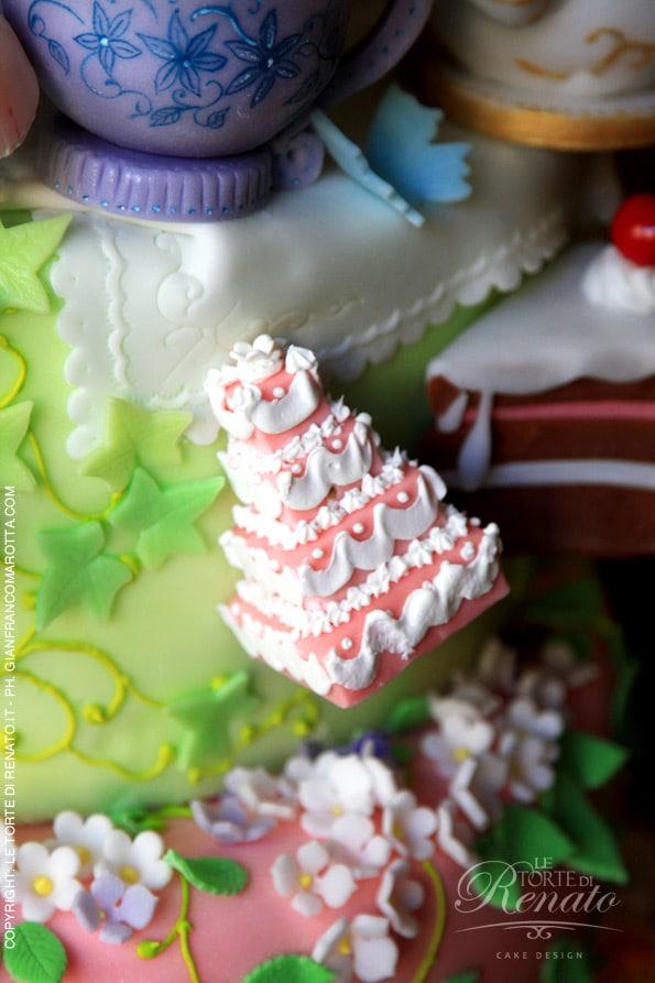 Alice - i decori fatti amano sulla torta